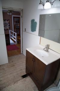 IWMH1011 - Bathroom Before - 4